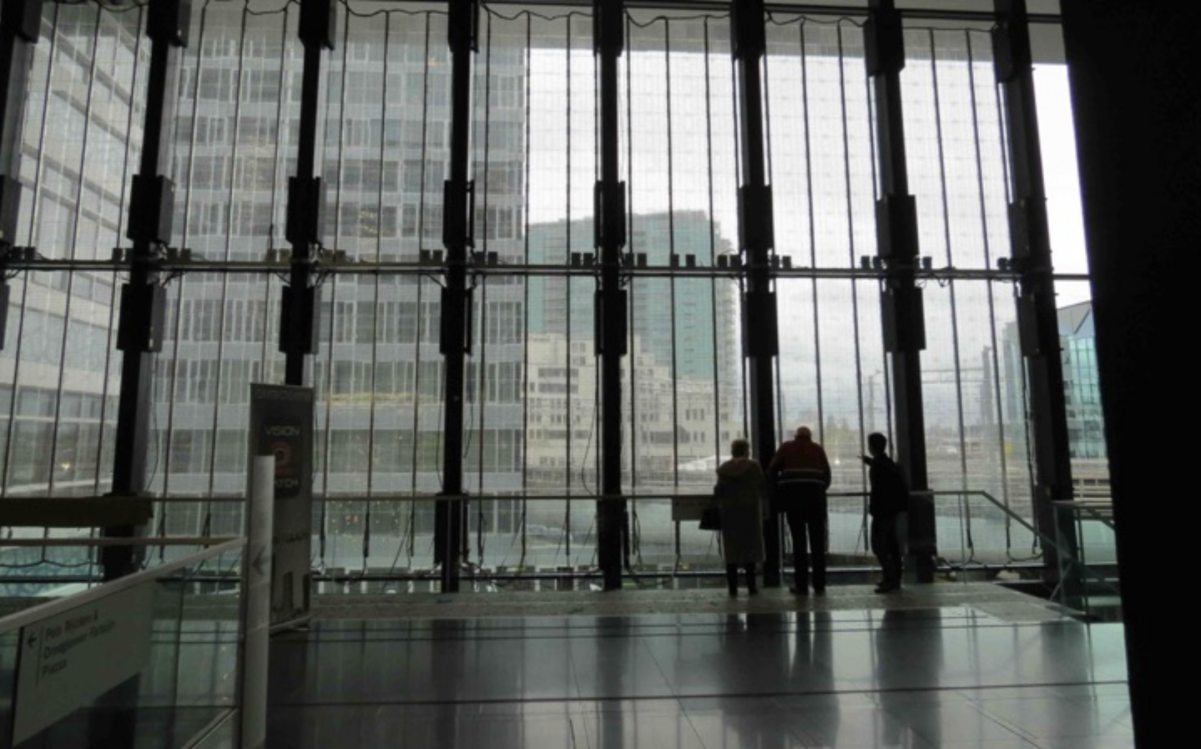 transparent-led-display-curtain-screen-led-on-window-newbabylon-nl