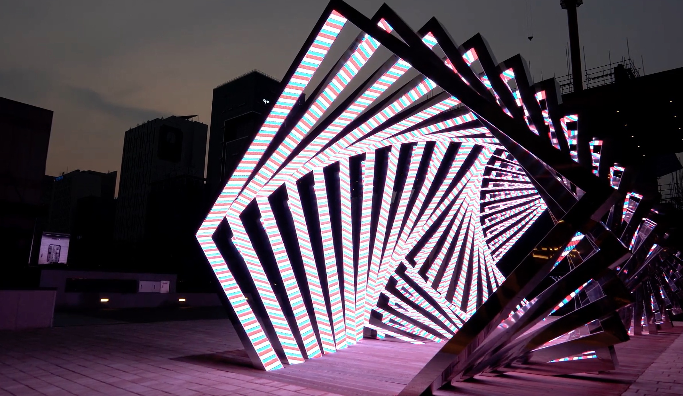 LED tunnel with square shape